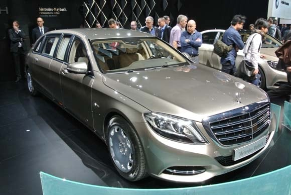 https://file.kbb.com/kbb/images/content/editorial/slideshow/2017-mercedes-maybach-pullman-set-for-geneva/2015-mercedes-maybach-s600-pullman-(2)-600-001.jpg
