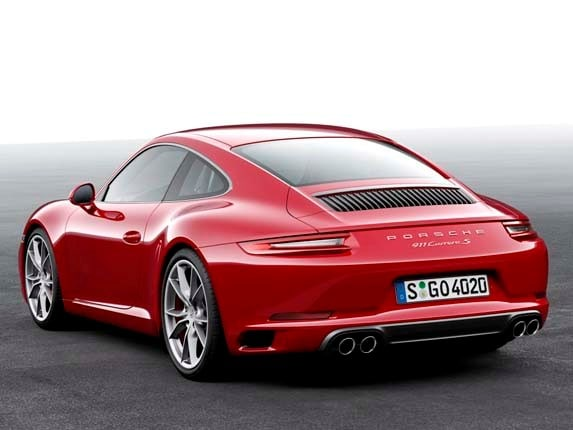 2017 porsche 911 revamp brings all turbo power | kelley blue book