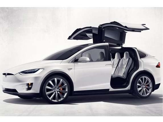 Earlier This Week The First Six 2016 Tesla Model X Crossover Suvs Were Presented To Customers At An Event Held Near Automaker S Embly Facility In