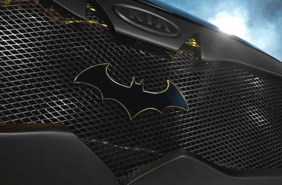 batman-kia-optima-grille-detail-600-001
