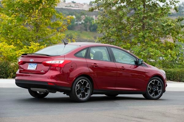 2014 Ford Focus SE: Ready for its refresh - Kelley Blue Book