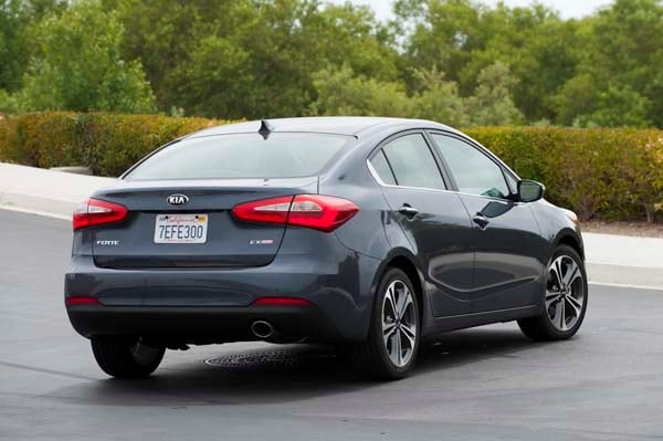 2014 Ford Focus Sedan >> 2015 Kia Forte EX: Features and Technology for a Price - Kelley Blue Book