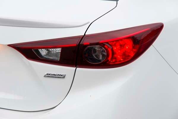 2014 Mazda Mazda3 i Touring: Attractive on Many Levels 20