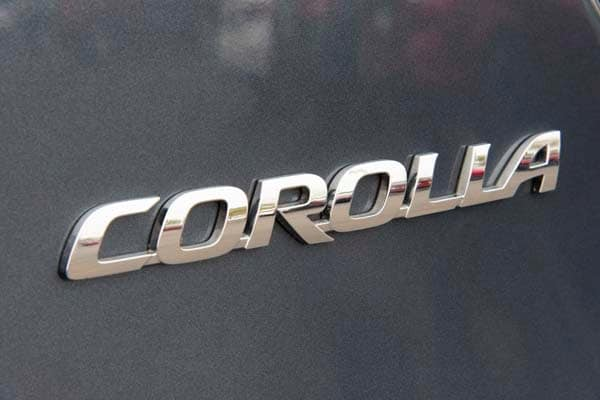 2014 Toyota Corolla LE Plus: Bestseller Tries On a Designer Suit 14