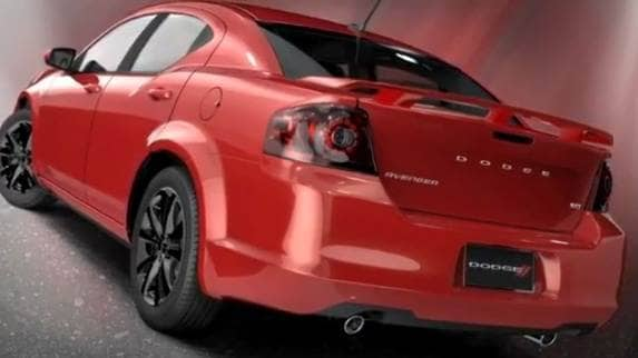 2013-dodge-avenger-blacktop-red-rear-static-600-001