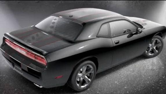 2013-dodge-challenger-blacktop-black-rear-static-600-001