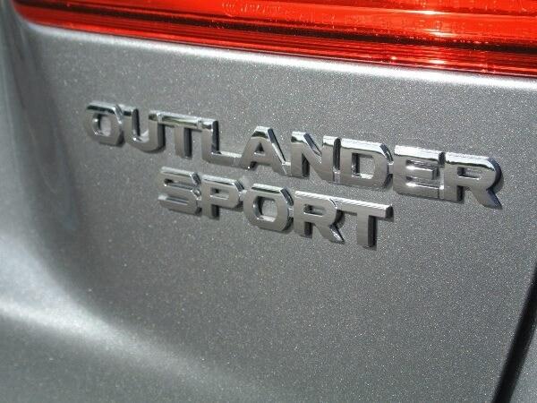 Editors' Page: 2015 Mitsubishi Outlander Sport 16