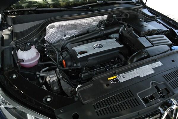 Editors' Page: 2015 Volkswagen Tiguan 24
