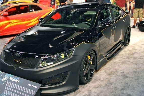 01-batman-kia-optima-2-600-001