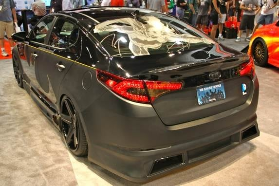 01-batman-kia-optima-5-600-001