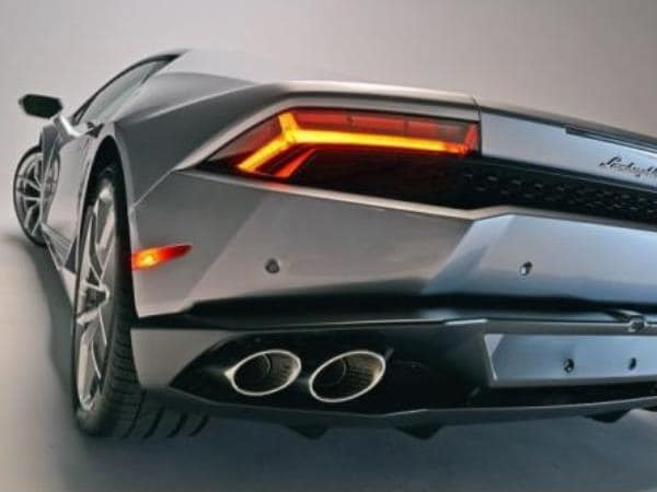 Best Cars Under 35000 >> 2015 Lamborghini Huracan LP 610-4 unveiled - Kelley Blue Book