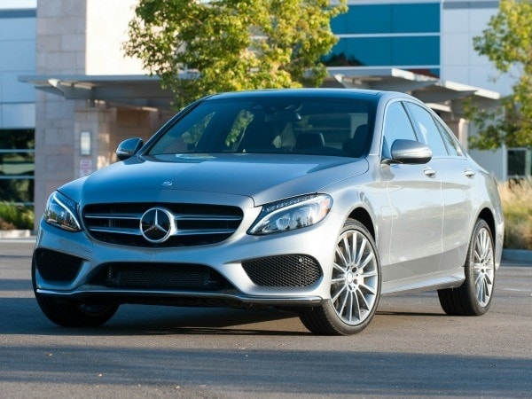 Photo gallery luxury car best buy of 2015 kelley blue book for Buying a mercedes benz