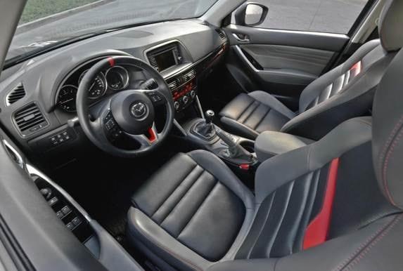 mazda-cx-5-dempsey-interior-front-600-001
