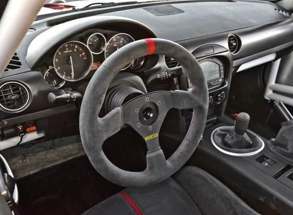 mazda-mx-5-super25-dash-and-wheel-detail-600-001