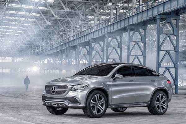 Mercedes benz concept coupe suv points to a larger for Mercedes benz cross over