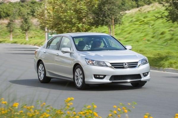 Photo Gallery: Midsize Car Best Buy of 2015 - Kelley Blue Book
