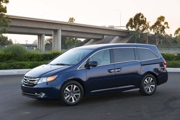 Photo Gallery: Minivan Best Buy of 2015 3