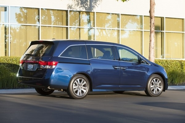 Photo Gallery: Minivan Best Buy of 2015 1