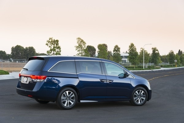 Photo Gallery: Minivan Best Buy of 2015 4