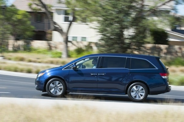 Photo Gallery: Minivan Best Buy of 2015 6