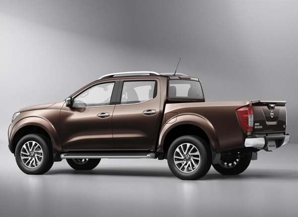 New Nissan NP300 Navara: Next-gen Frontier? 7