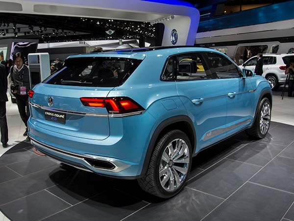 Volkswagen Cross Coupe GTE: Mid-size SUV of tomorrow - Kelley Blue ...