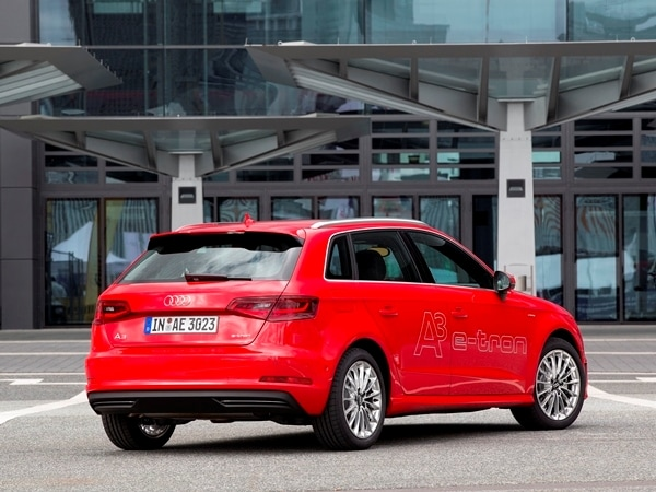 Driving the VW e-up! and Audi A3 Sportback e-tron: Rationality in Motion 4