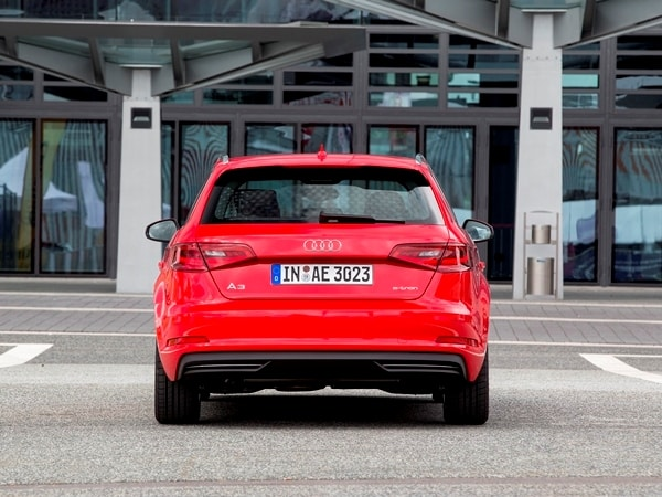 Driving the VW e-up! and Audi A3 Sportback e-tron: Rationality in Motion 5