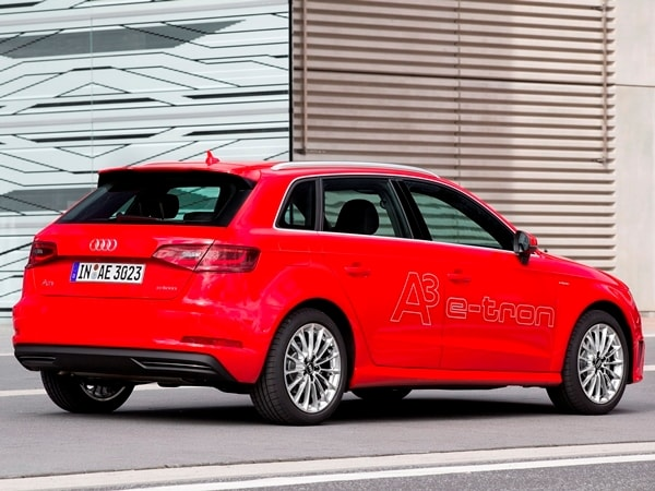 Driving the VW e-up! and Audi A3 Sportback e-tron: Rationality in Motion 7