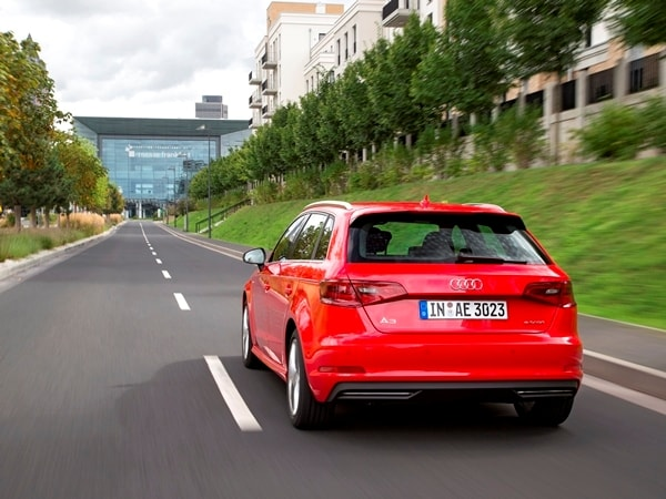 Driving the VW e-up! and Audi A3 Sportback e-tron: Rationality in Motion 9