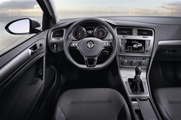volkswagen-golf-bluemotiuon-concept-interior-600-001