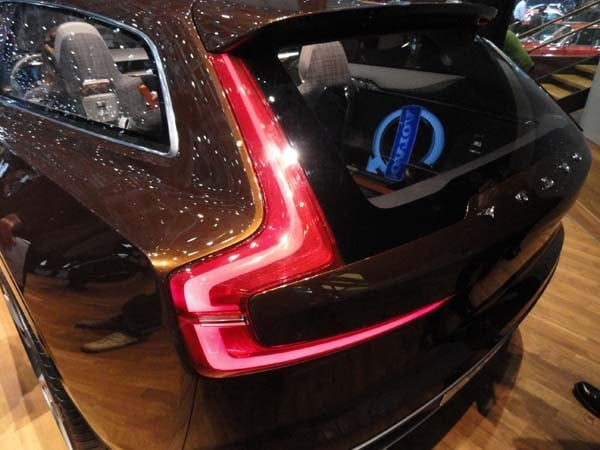 Volvo Concept Estate showcases intuitive new interface 4