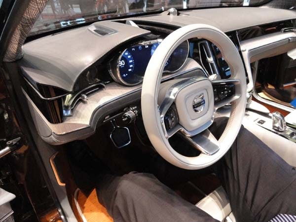 Volvo Concept Estate showcases intuitive new interface 12