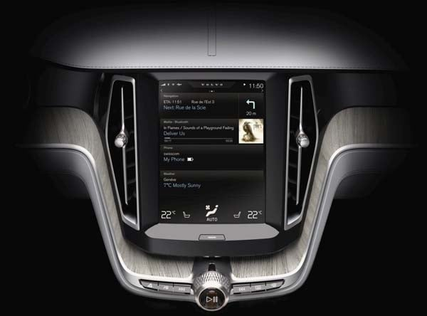 Volvo Concept Estate showcases intuitive new interface 38