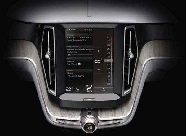 Volvo Concept Estate showcases intuitive new interface 37