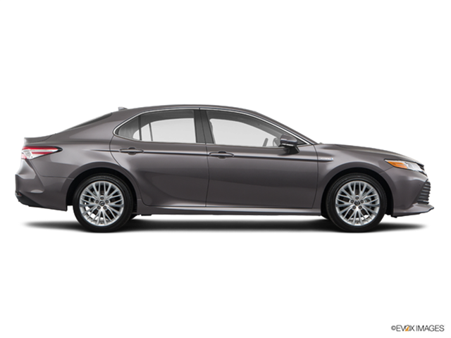 2018 toyota camry hybrid pricing ratings reviews kelley blue book. Black Bedroom Furniture Sets. Home Design Ideas