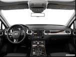 2016 Volkswagen Touareg Dashboard, center console, gear shifter view photo
