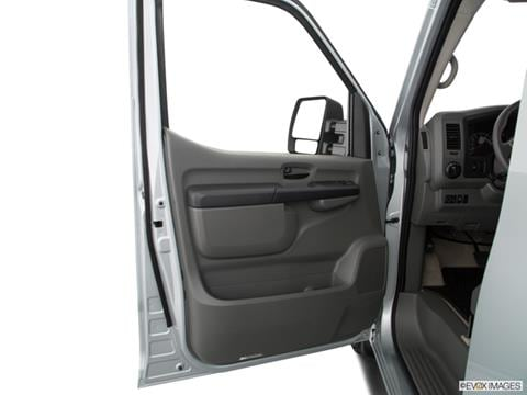 2018 nissan nv3500 hd passenger Interior