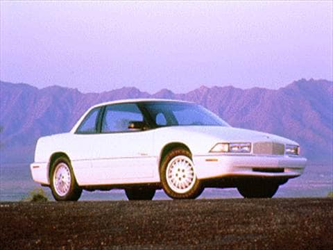 1995 Buick Regal Custom Coupe 2D  photo