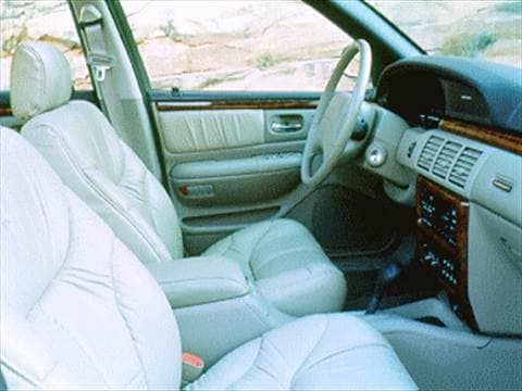 1995 chrysler lhs Interior