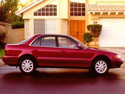 1996 Hyundai Sonata Sedan 4D  photo