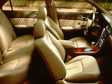 Acura RL Pricing Ratings Reviews Kelley Blue Book - Acura legend seats for sale