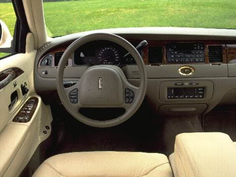 1998 lincoln town car signature sedan 4d pictures and videos kelley blue book. Black Bedroom Furniture Sets. Home Design Ideas