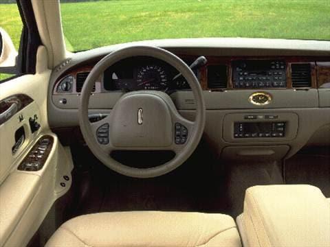 1998 lincoln town car pricing ratings reviews kelley blue book rh kbb com 90 Lincoln Town Car 96 Lincoln Town Car