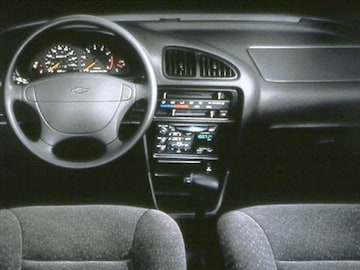 1999 Chevrolet Metro | Pricing, Ratings & Reviews | Kelley ...