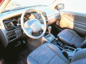 1999 Chevrolet Tracker Interior