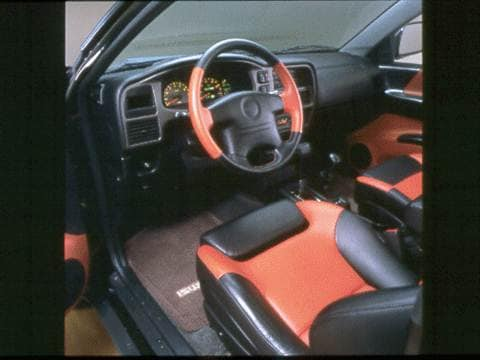 1999 isuzu vehicross Interior