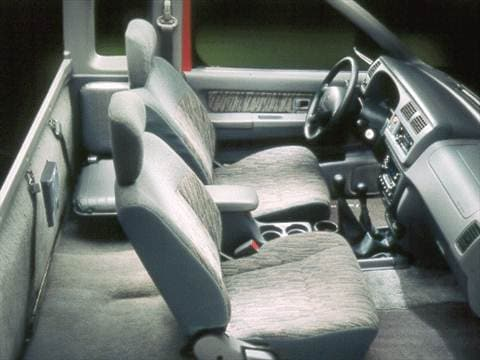 1999 Nissan Frontier King Cab XE  photo