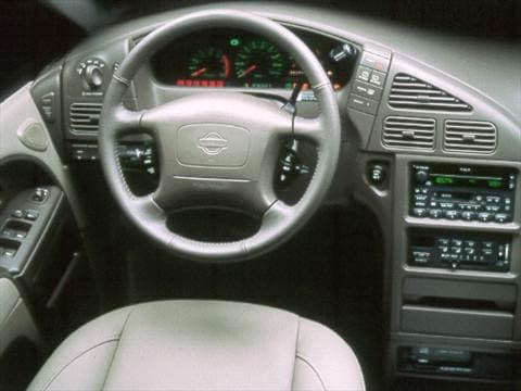 1999 nissan quest Interior