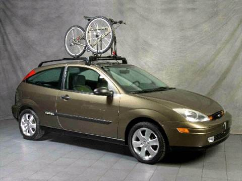 2000 Ford Focus ZX3 Hatchback 2D Pictures and Videos  Kelley Blue